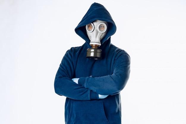 防毒マスクの男の肖像