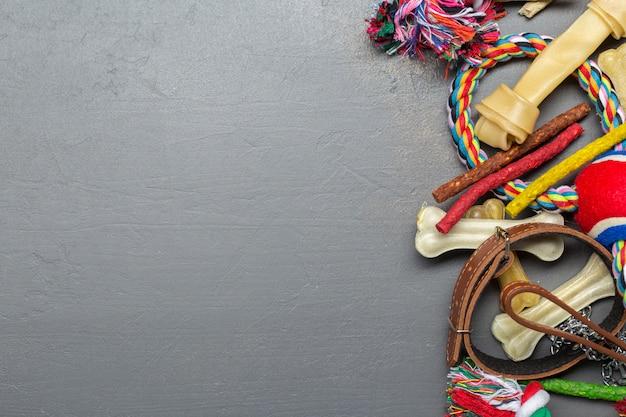 ペットアクセサリー、食品、おもちゃ。上面図
