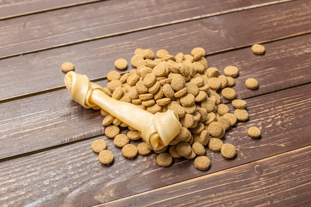 犬や猫のための乾燥食品。
