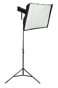 白で隔離されるスタジオ照明