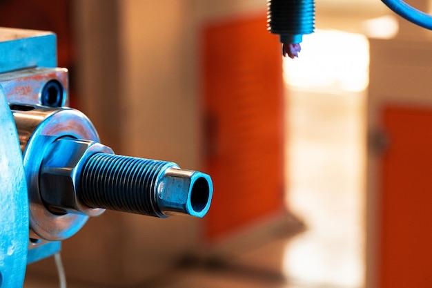 産業用自動車工作機械部品の詳細をクローズアップ