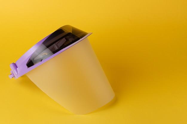 医療保護バイザー、プラスチック製の顔面シールドをクローズアップ