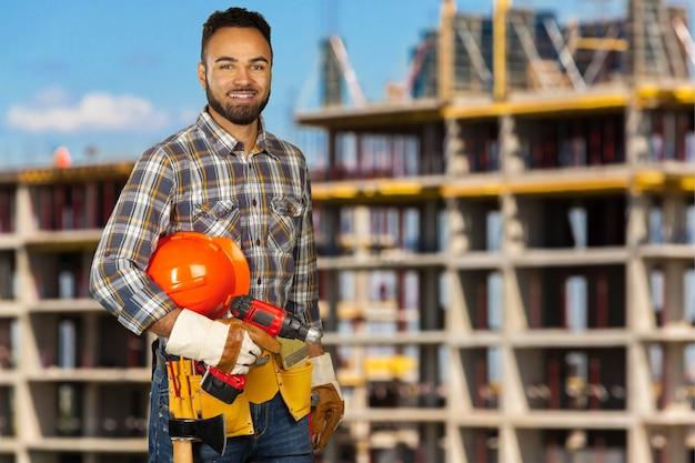 建築現場での建設労働者