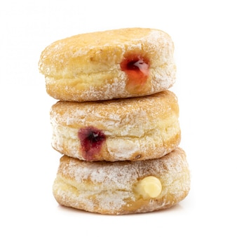 おいしいドーナツは、白い背景で隔離されています。