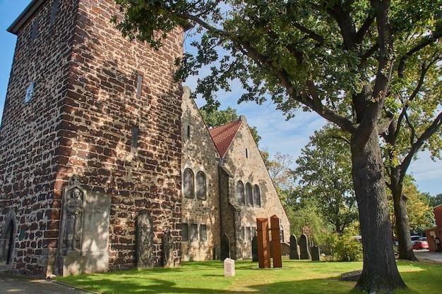 古いゴシック教会
