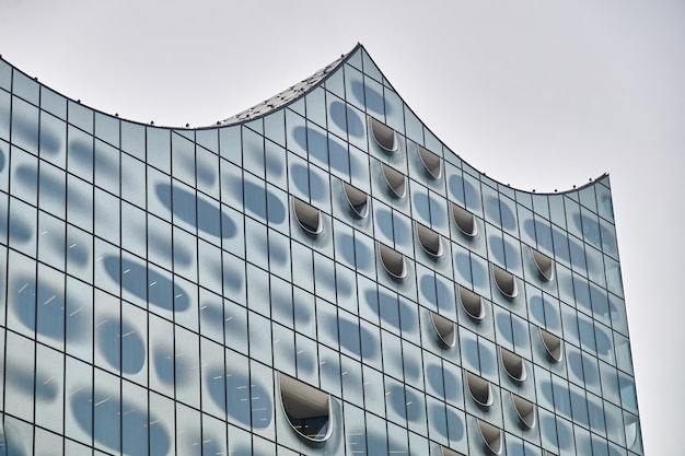 現代のアールヌーボー様式の建物