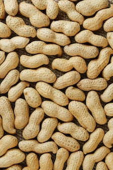 ピーナッツの殻にテクスチャーのある食べ物。
