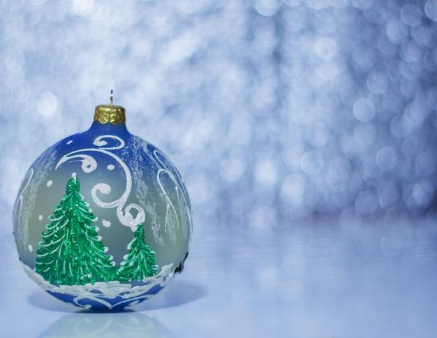 ボケ味の美しいクリスマスボール。