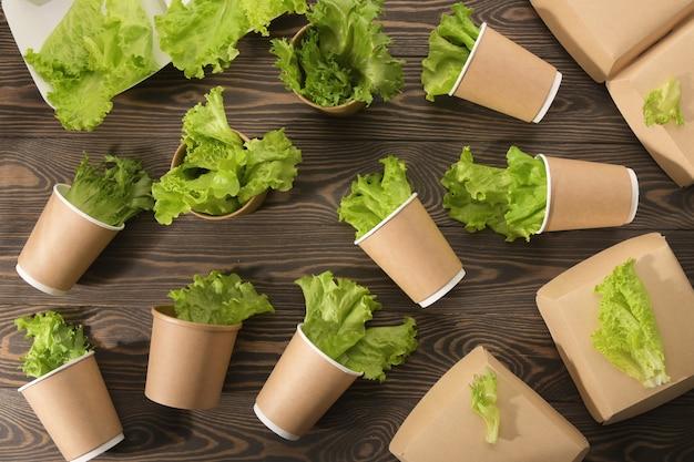 生分解性食器と木材のグリーン、二次加工。