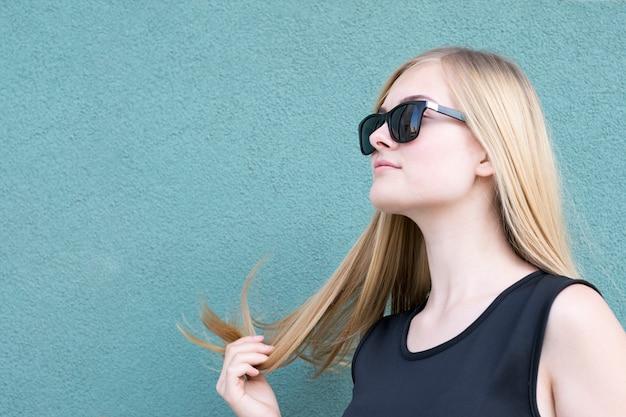 豪華な髪型と見事な女の子