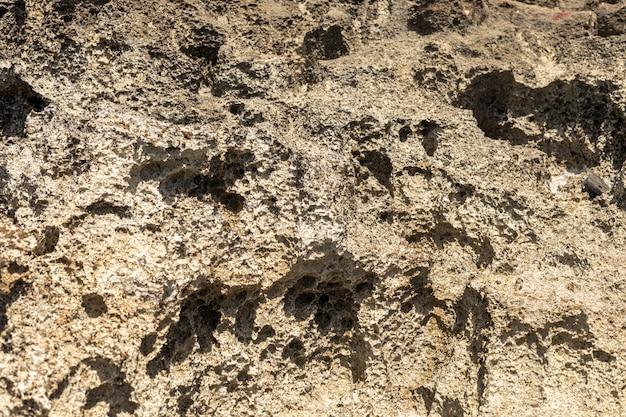 Текстура поверхности вулканической породы на кипре похожа на поверхность луны.