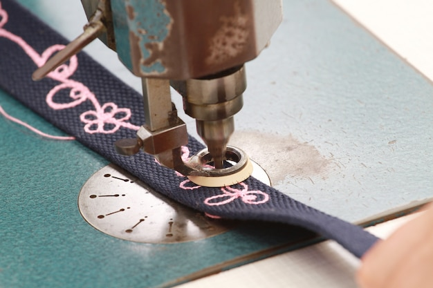 刺繍入りのミシン