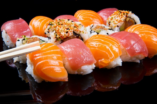 寿司とロール