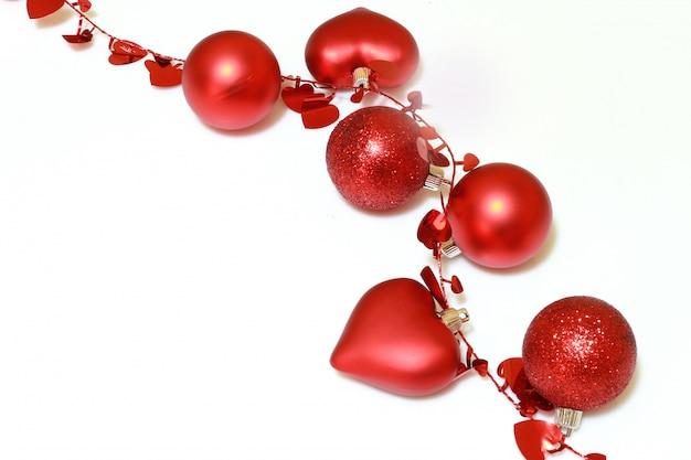 Красное рождественское украшение