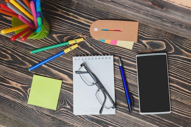 Школьные и офисные принадлежности