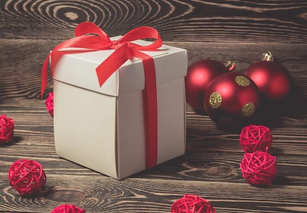 ブラウンのクリスマスギフトボックスプレゼント
