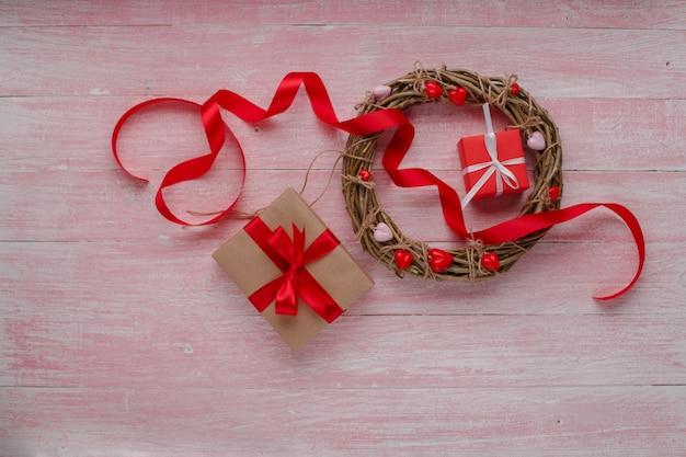 分離された素朴なスタイルで幸せなバレンタインデー愛の祭典。