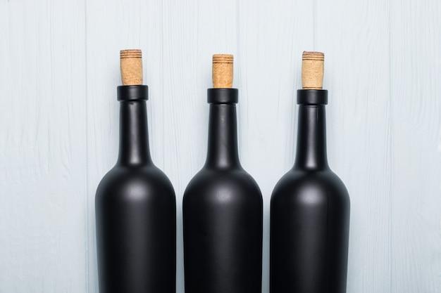 ブラックワインボトル