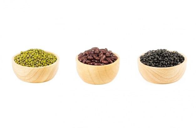 Черная фасоль, красная фасоль и бобы мунг