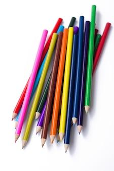 カラフルな鉛筆、白で隔離されます。