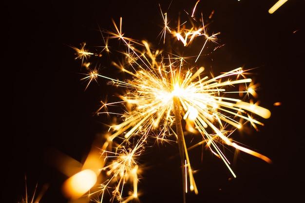 Спарклер фон. рождество и новый год спарклер праздник фон.