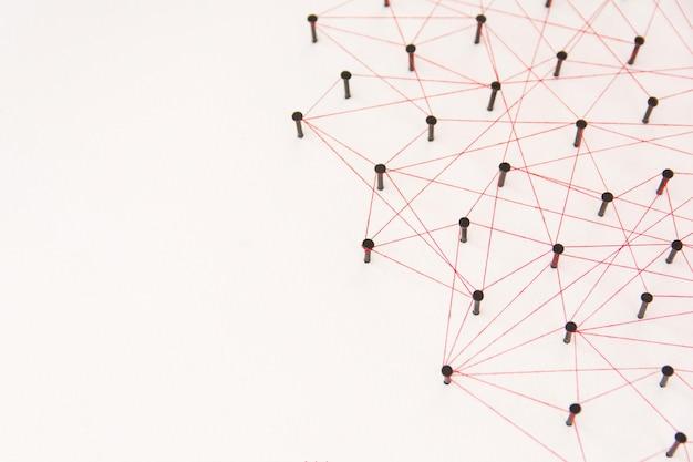 Связь между двумя сетями. симуляция связана с красной нитью с копией пространства