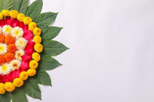 ディワリ祭のマリーゴールドフラワーランゴーリーデザイン