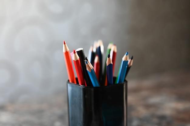 鉛筆ケースに鉛筆