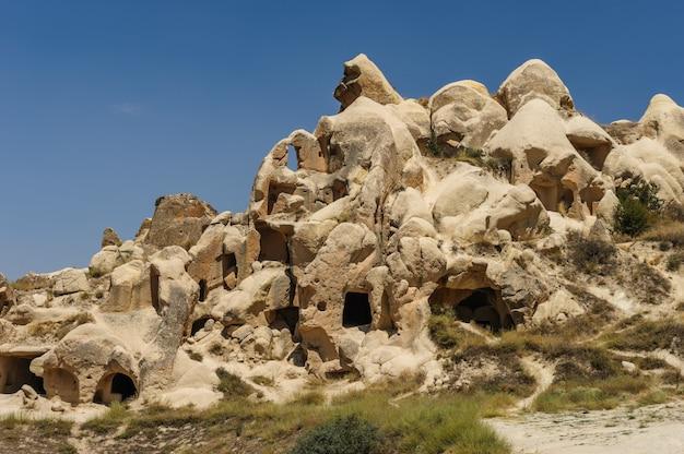 ギョレメ、カッパドキア、トルコの近くの岩