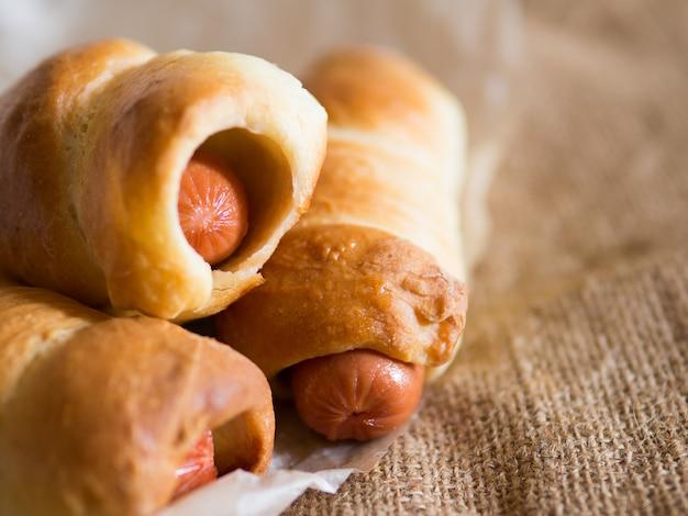 Домашние колбаски в тесте
