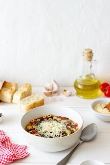 イタリアのミネストローネスープ。