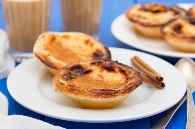 ポルトガルの伝統的なクリーミーなエッグタルトパステルデナータ