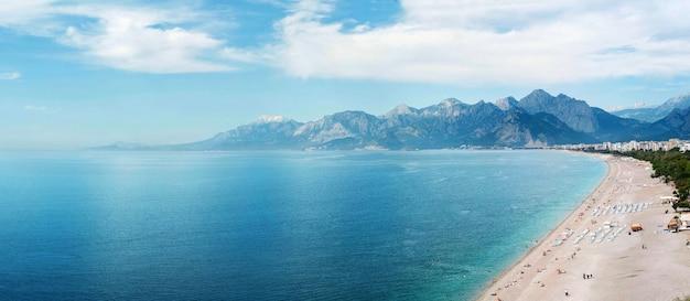 アンタルヤのビーチ