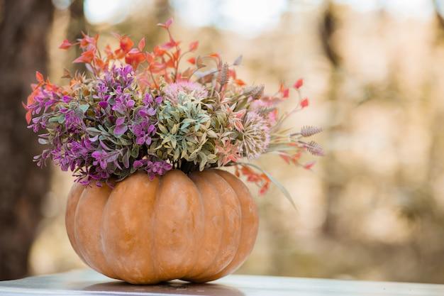 森の秋の装飾