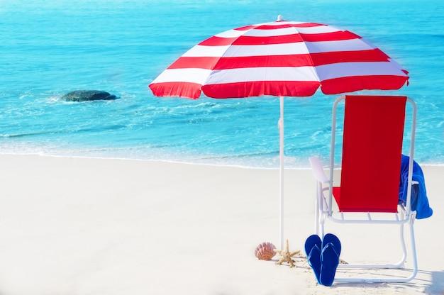 ビーチでの旅行と観光
