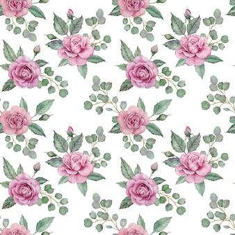 Бесшовный цветочный узор с розовыми розами и зелеными листьями