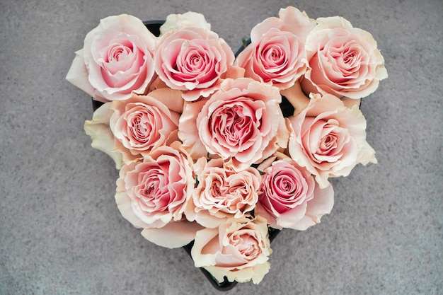 Отличный подарок на день святого валентина. подарок влюбленной паре.