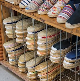 女性の夏の靴。