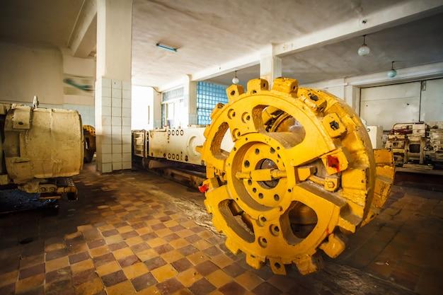 炭鉱での作業のためのサンプル機器