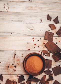 糖尿病やアレルギーのために砂糖やグルテンを含まないダークチョコレート