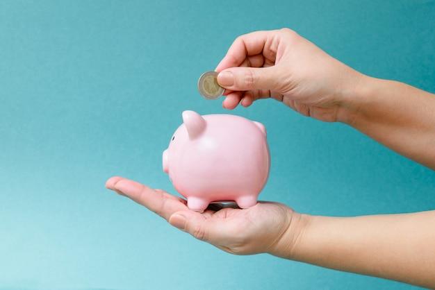 金融、経済学、またはお金、通貨の節約
