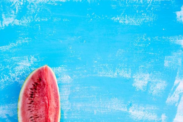 熟した赤いスイカの部分