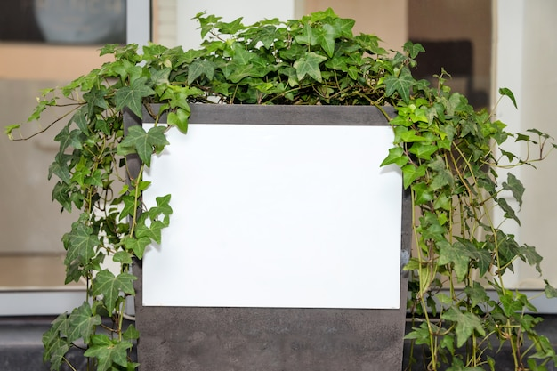 ブランクの看板白いモックアップ、広告ポスター画面、屋外バナー広告のテンプレート空フレーム