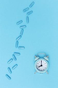 薬の薬と時計