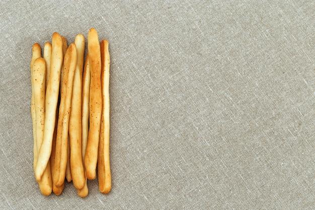 グリッシーニはイタリア料理のクリスピーパンです。