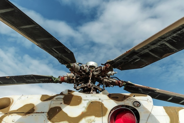 Многоцелевой вертолет в эксплуатации в россии