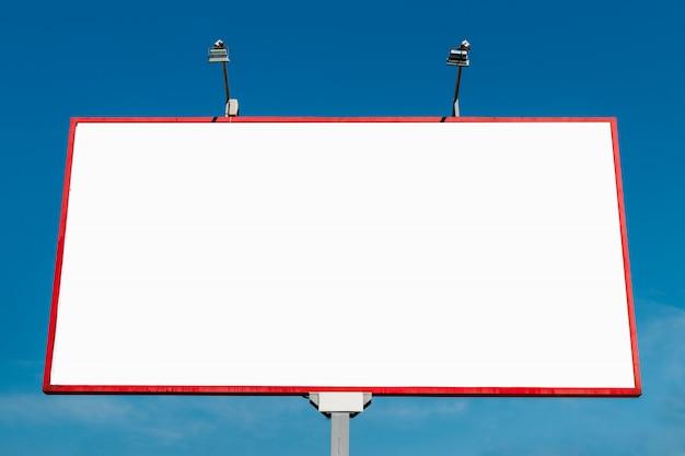 ビルボード、ビルボード、キャンバスビルボード、青い空を背景