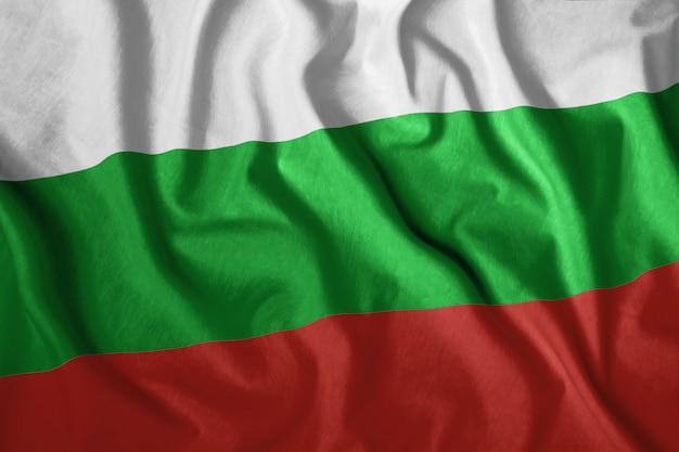 ブルガリアの国旗が風に吹かれて