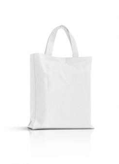 Пустая белая сумка из ткани на белом фоне