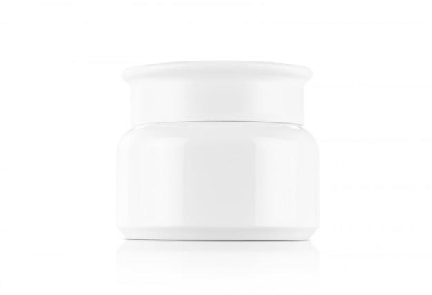 Белый пластиковый горшок с кремом, изолированный